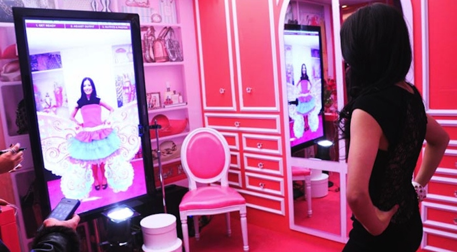 Barbie Dream Closet - Virtual Dressing Room - Webcam Social Shopper