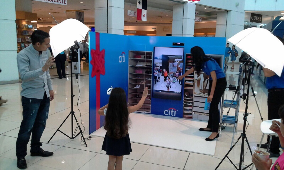 JARLA Group and Citibank Debut Zugara Virtual Dressing Room Technology in Panama